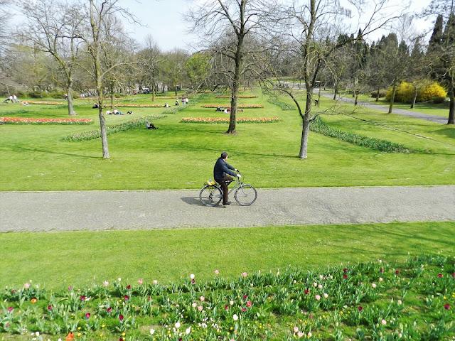 visitare il parco sigurtà in bicicletta