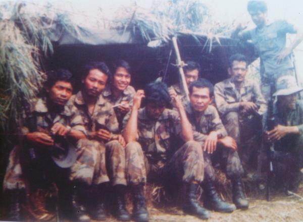 Heroik dan Inspiratif..! Kisah 8 Para Raider-305 Tengkorak Taklukkan Lawan di Timor-Timur