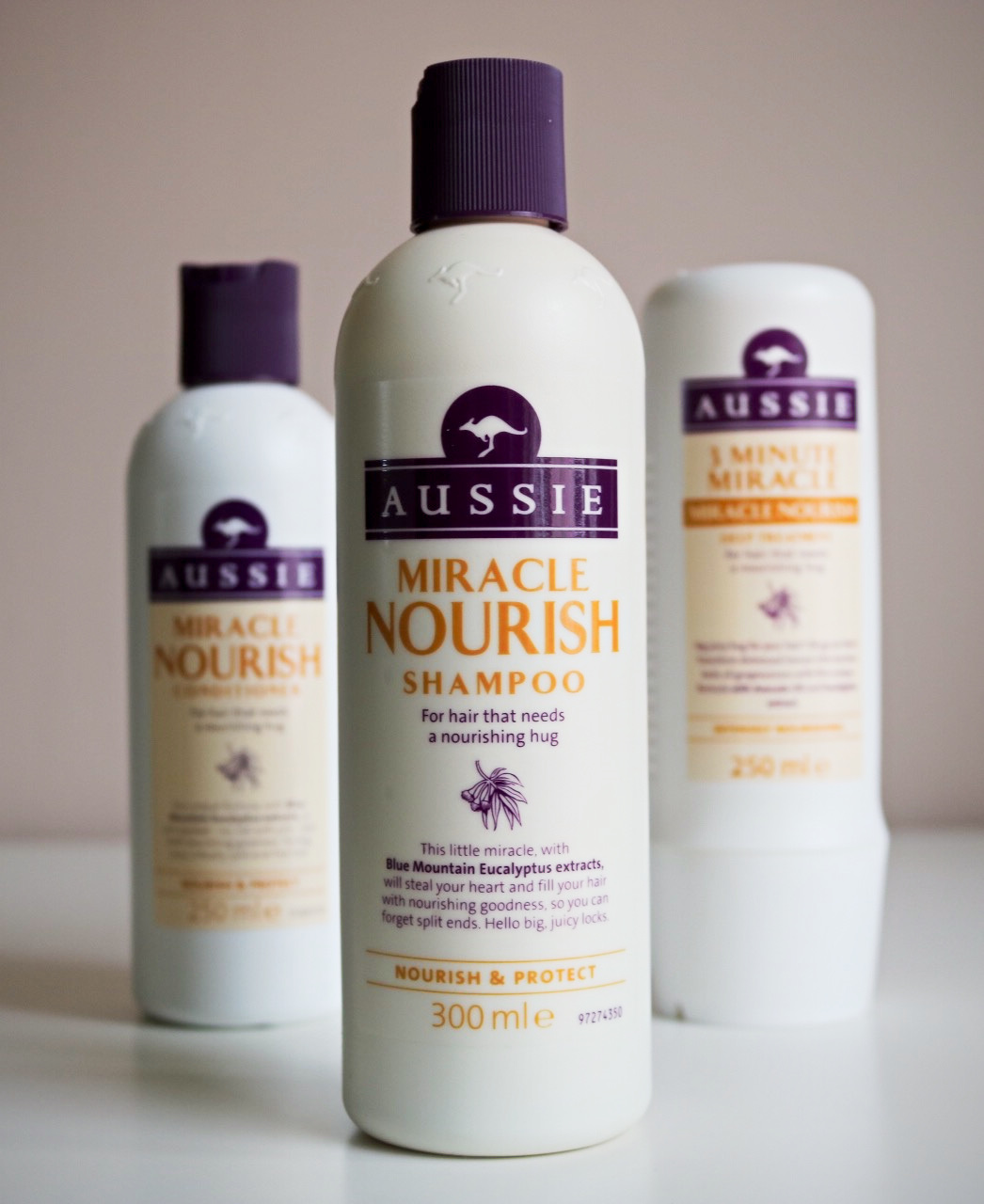Aussie Miracle Nourish Collection I Am Fabulicious Gieve Eucalyptus Hair Conditioner Designed To Give Limp And Lacklustre Locks Some Serious Nourishment The Range Infuses Moisture Restore Shine Leave Your Looking Healthy