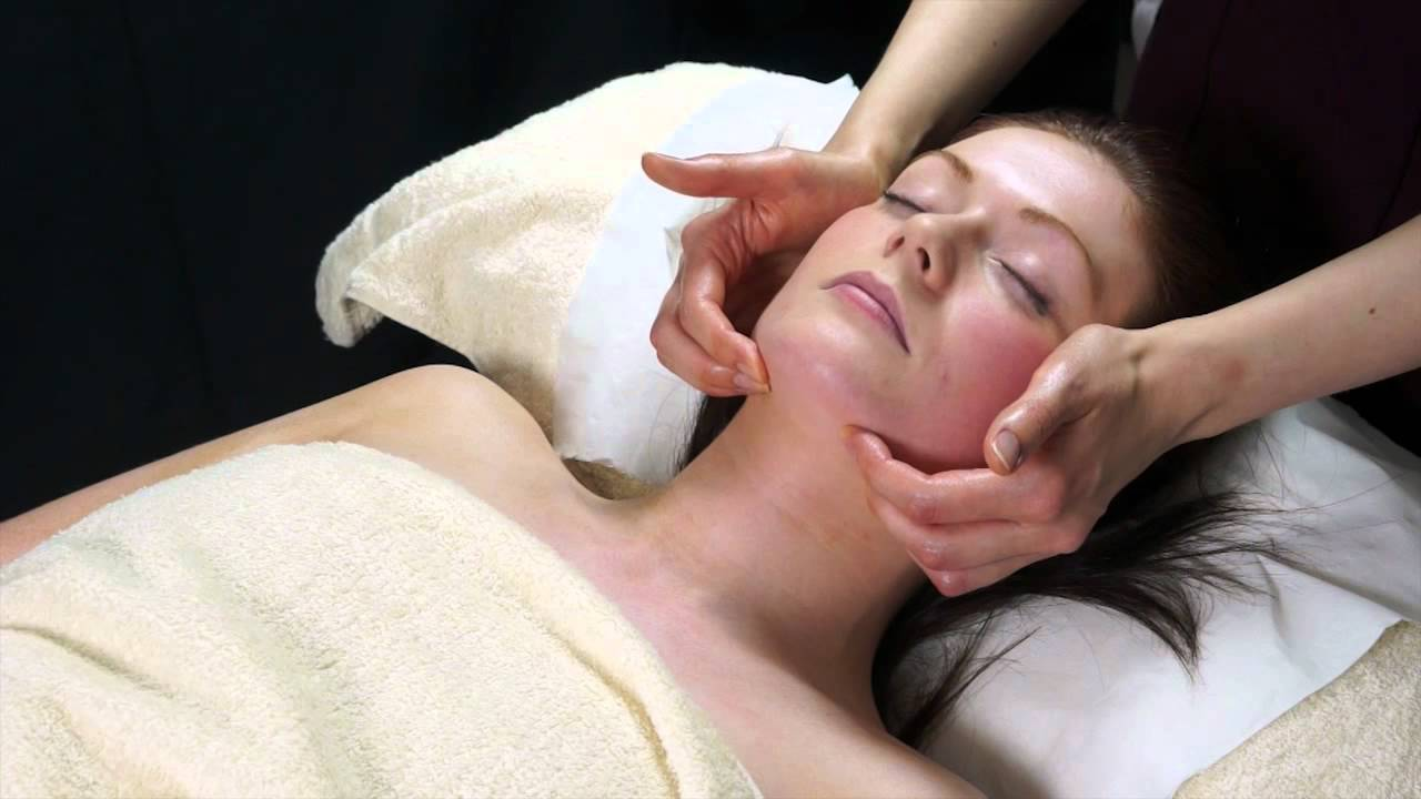 5 Amazing Benefits of an effective Facial Massage