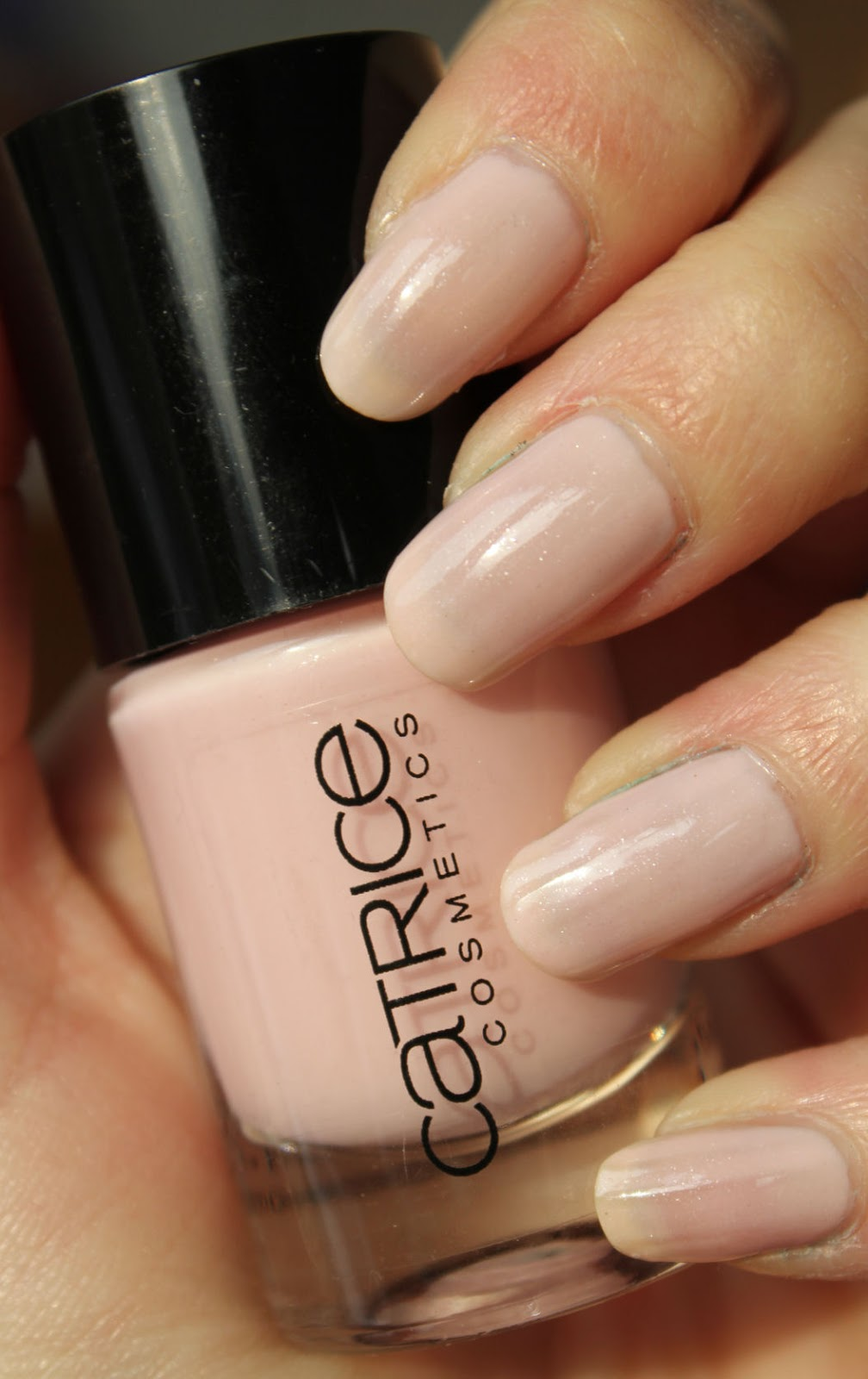 http://lacquediction.blogspot.de/2014/03/catrice-ultimate-nail-lacquer-51-im-so.html