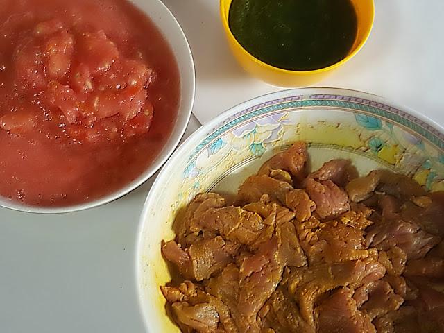 Curry Leaf Meat Curry Recipe @ treatntrick.blogspot.com