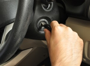the form that the right hand assumes when turning an ignition switch