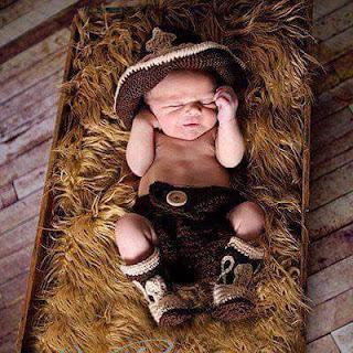 disfraz de vaquero tejido crochetFulares y tejidos KANGUTINGO