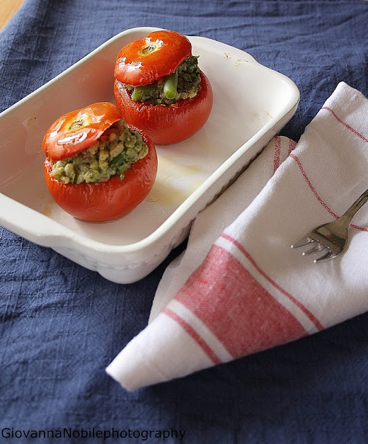 Pomodori ripieni con farro al pesto