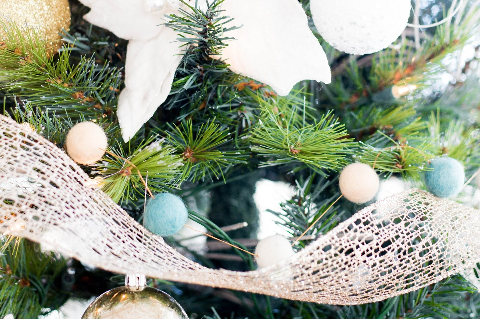 do it yourself divas: DIY Faux Fur Tree Skirt Plus Woodland ...