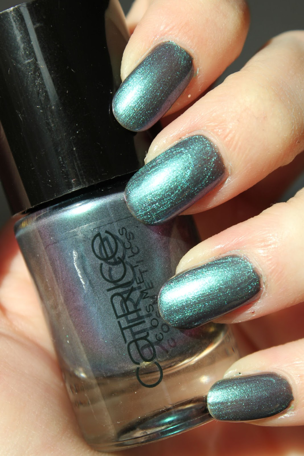 http://lacquediction.blogspot.de/2014/02/catrice-ultimate-nail-lacquer-55-get.html