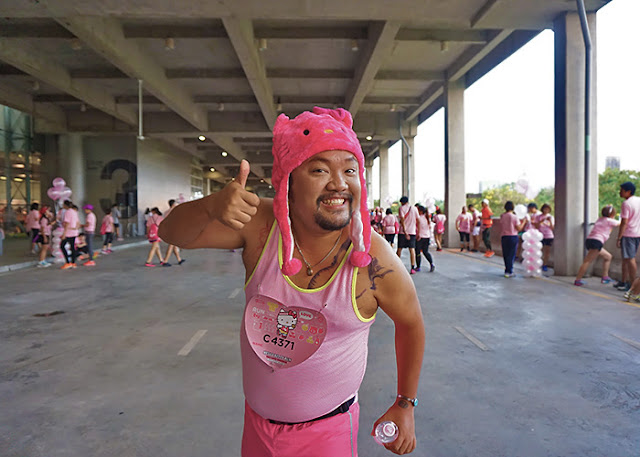 A happy male participant at the Hello Kitty Run in Bangkok 2016