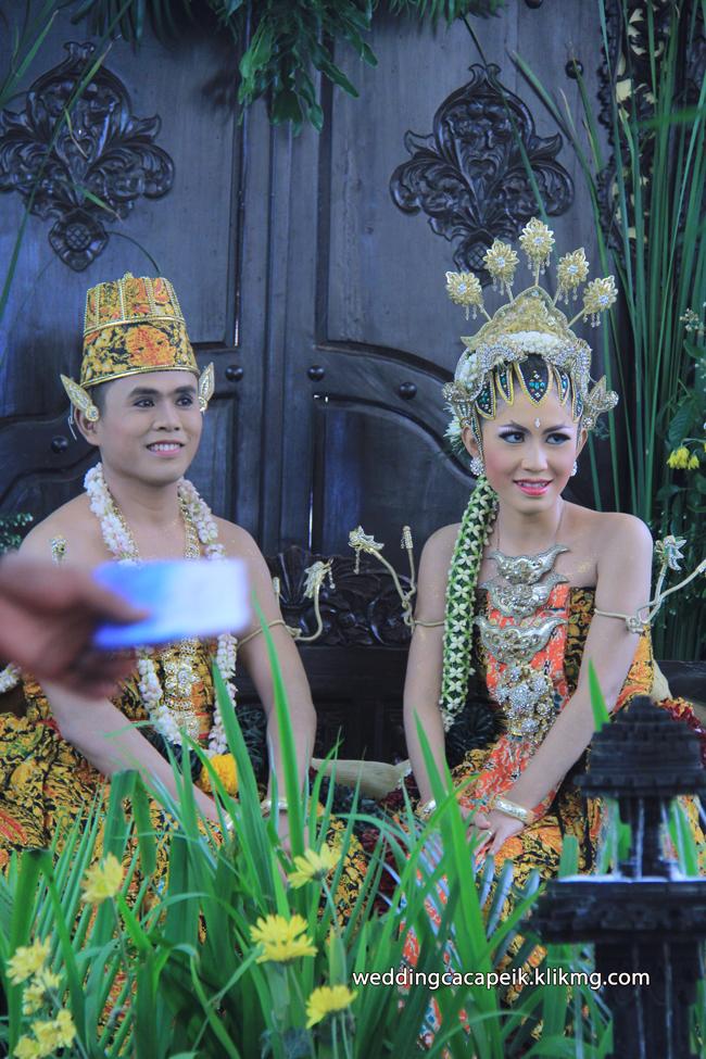 Foto Liputan Pernikahan Chaca & Peik [ 12 -  Sesi Foto Pose Pengantin ] - Foto Oleh : Klikmg Fotografer Wedding Purwokerto