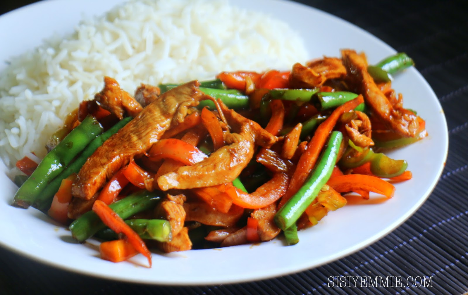 This Chicken & Veggie Stirfry Is Perfect With Rice!