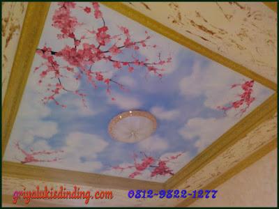Mural lukis plafon gambar awan dan bunga sakura