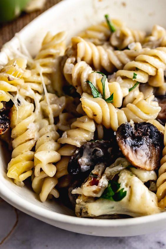 Creamy Mushroom Pasta Bake #Creamy #Mushroom #pasta #Bake #Deleciousrecipe #Unitedkingdom #Americanrecipe