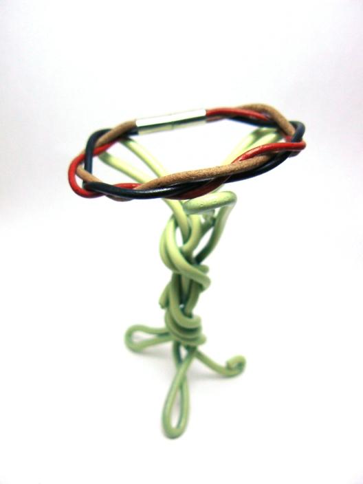 Vue globale du bracelet tressé 3 lacets rond en cuir