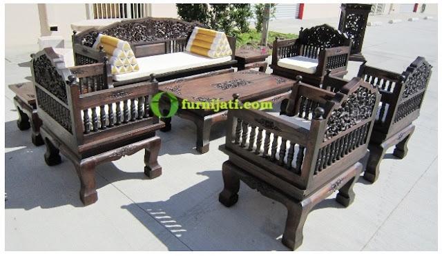 Model kursi kayu ukir minimalis