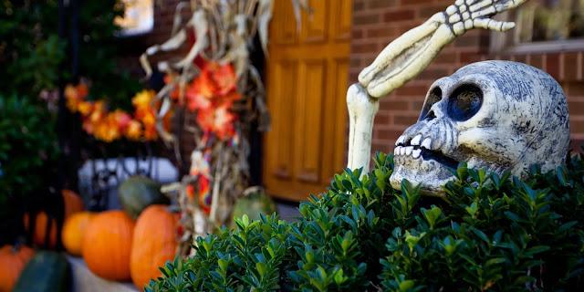 Хэллоуин, 31 октября, Halloween, All Hallows' Eve, All Saints' Eve, тыквы на Хэллоуин, декор для дома на Хэллоуин, украшения на Хэллоуин, декорирование предметов, мастер-классы на Хэллоуин, как украсить дом на Хэллоуин, варианты декора для меикрьера, шикарные праздничные украшения на Хэллоуин, монстры на Хэллоуин, привидения для интерьера, декор интерьера на Хэллоуин, оформление интерьера монстрами, привидения, тыквы, летучие мыши, зомби, страшилки, своими руками, идеи оформления на Хэллоуин, скелеты, Хэллоуин в интерьере, Декор для дома на Хэллоуин своими рукамиХэллоуин, 31 октября, Halloween, All Hallows' Eve, All Saints' Eve, тыквы на Хэллоуин, декор для дома на Хэллоуин, украшения на Хэллоуин, декорирование предметов, мастер-классы на Хэллоуин, как украсить дом на Хэллоуин, варианты декора для меикрьера, шикарные праздничные украшения на Хэллоуин, монстры на Хэллоуин, привидения для интерьера, декор интерьера на Хэллоуин, оформление интерьера монстрами, привидения, тыквы, летучие мыши, зомби, страшилки, своими руками, идеи оформления на Хэллоуин, скелеты, Хэллоуин в интерьере, Декор для дома на Хэллоуин своими рукамиДекор для дома на Хэллоуин своими руками http://prazdnichnymir.ru/