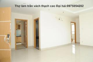 tho-lam-tran-vach-tuong-thach-cao-tai-soc-son