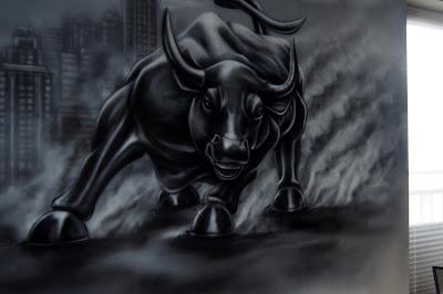 malowanie byka, mural w biurze, malowanie obrazów na ścianie w biurach, graffiti w biurze na ścianie