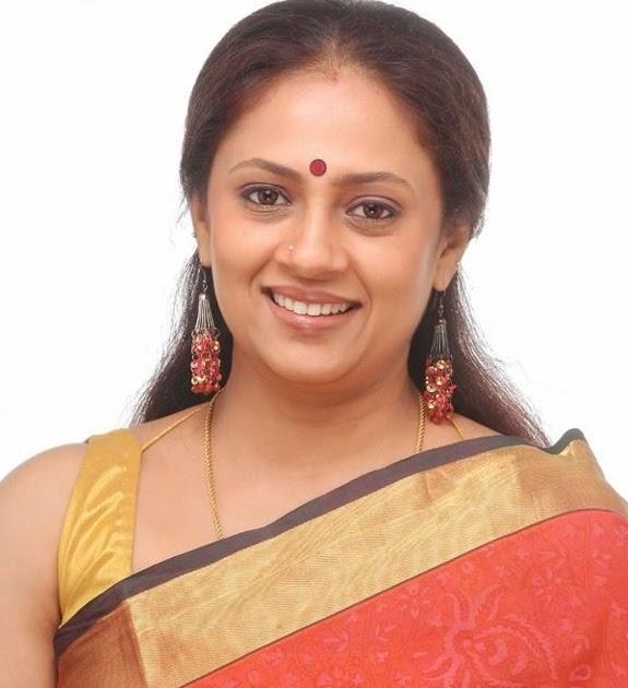 LAKSHMI RAMAKRISHNAN IN SAREE SOUTH INDIAN TV SERIAL