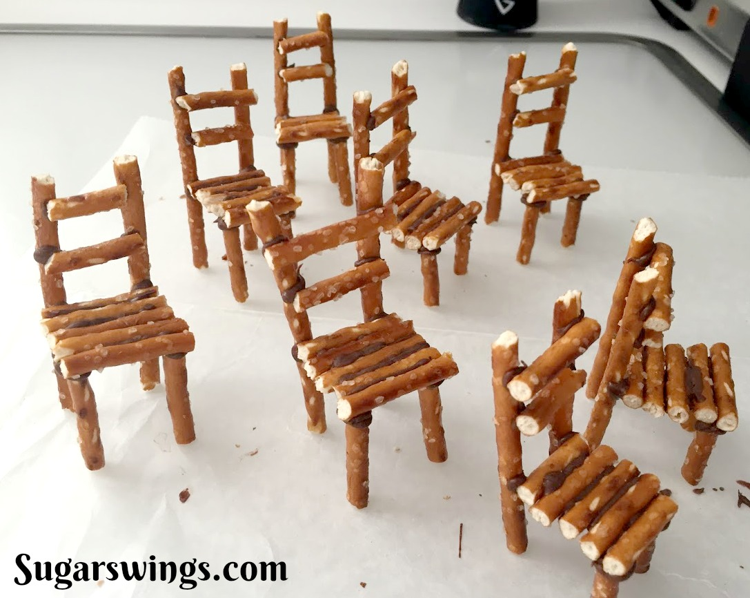The chairs are made from pretzel sticks  glued  together with some chocolate. & Sugar Swings! Serve Some: Winter Bird on Mini Chairs u0026 Trees Cupcakes
