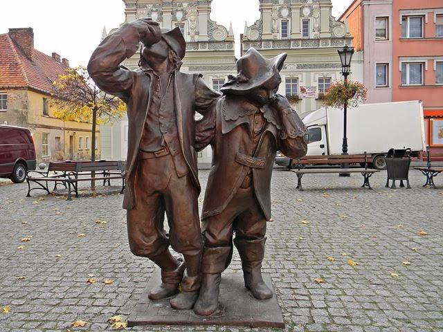 legenda z Bytomia Odrzańskiego, rynek, rzeźby, baśń, pomnik pijaka