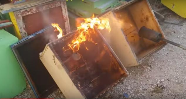 Απολύμανση κυψελών από τον επαγγελματία μελισσοκόμο Στέργιο Στεργάτο: Ο σημαντικότερος χειρισμός για υγιή και πετυχημένα μελίσσια
