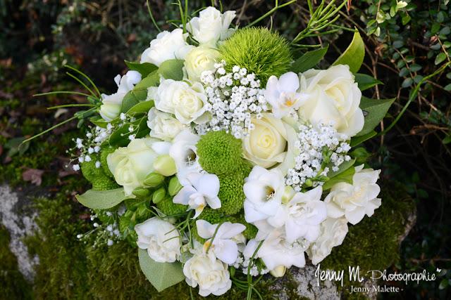 bouquet de la mariée couleur blanc et vert photo