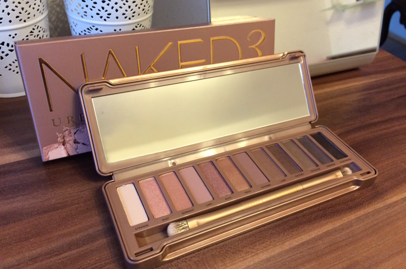 Urban Decay NAKED 3 Palette | Review and Swatches - Beauty