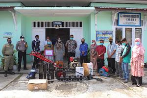 Penyerahan Bantuan ALSINTAN (Alat Mesin Pertanian), Bibit Benih dan Pupuk kepada Kelompok Tani Nusa Indah Santur