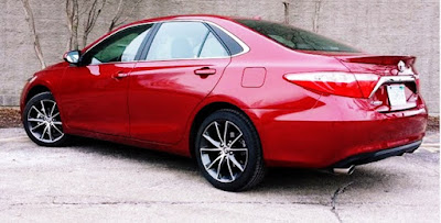 2017 Toyota Camry XSE Test Drive Side