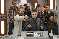 Rian Johnson and Carrie Fisher on the set of Star Wars: The Last Jedi (49)