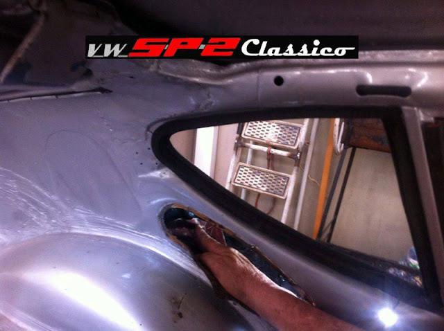 Aplicando espuma expansiva no VW SP2 - 03
