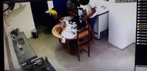 Polícia Civil indicia ex-diretora de escola em Delmiro Gouveia por furto de merenda escolar