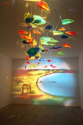 Arte e instalación con luz y sombra