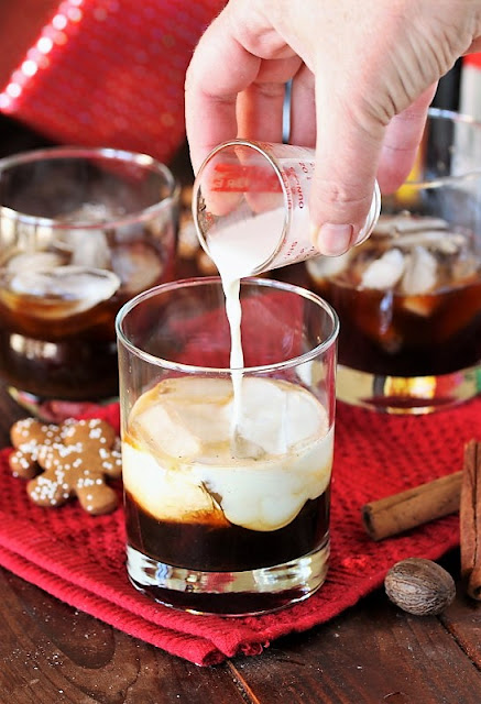 How to Make a Gingerbread White Russian image