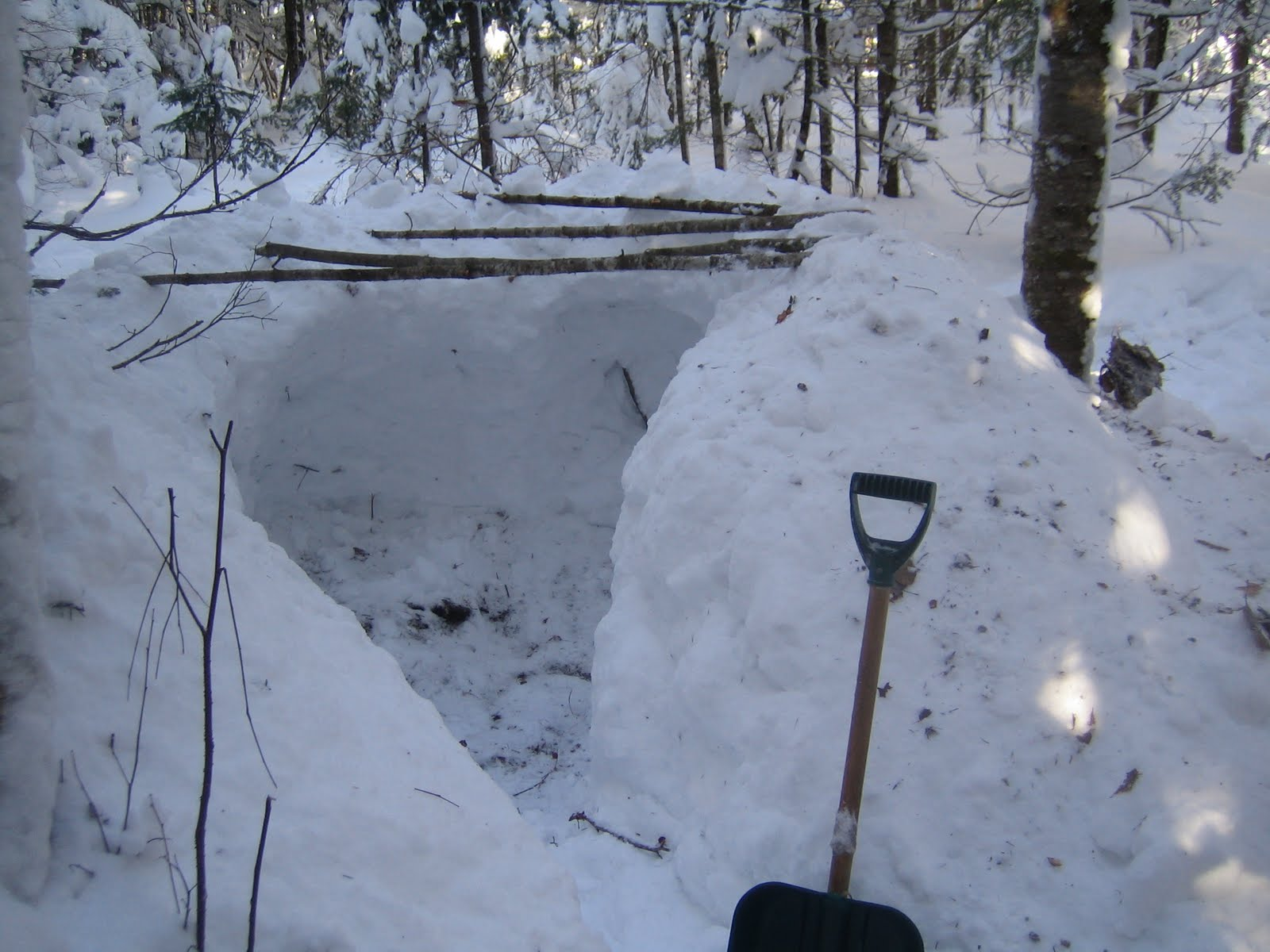 Outdoors In Nb Snow Trench