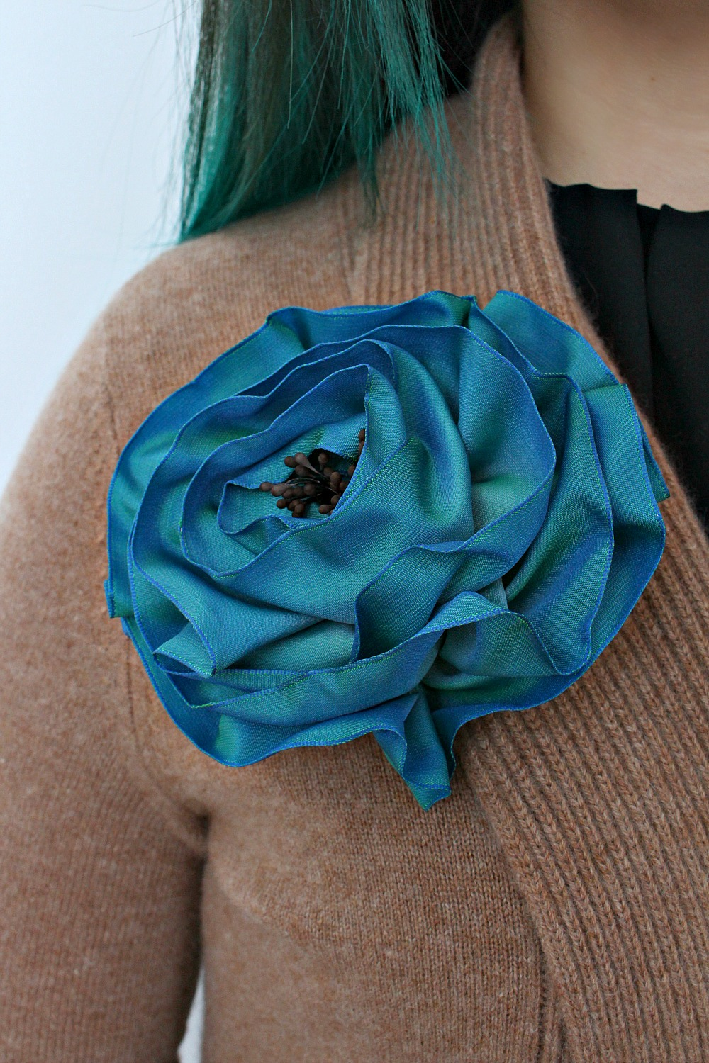 DIY sculptural ribbon rose brooch