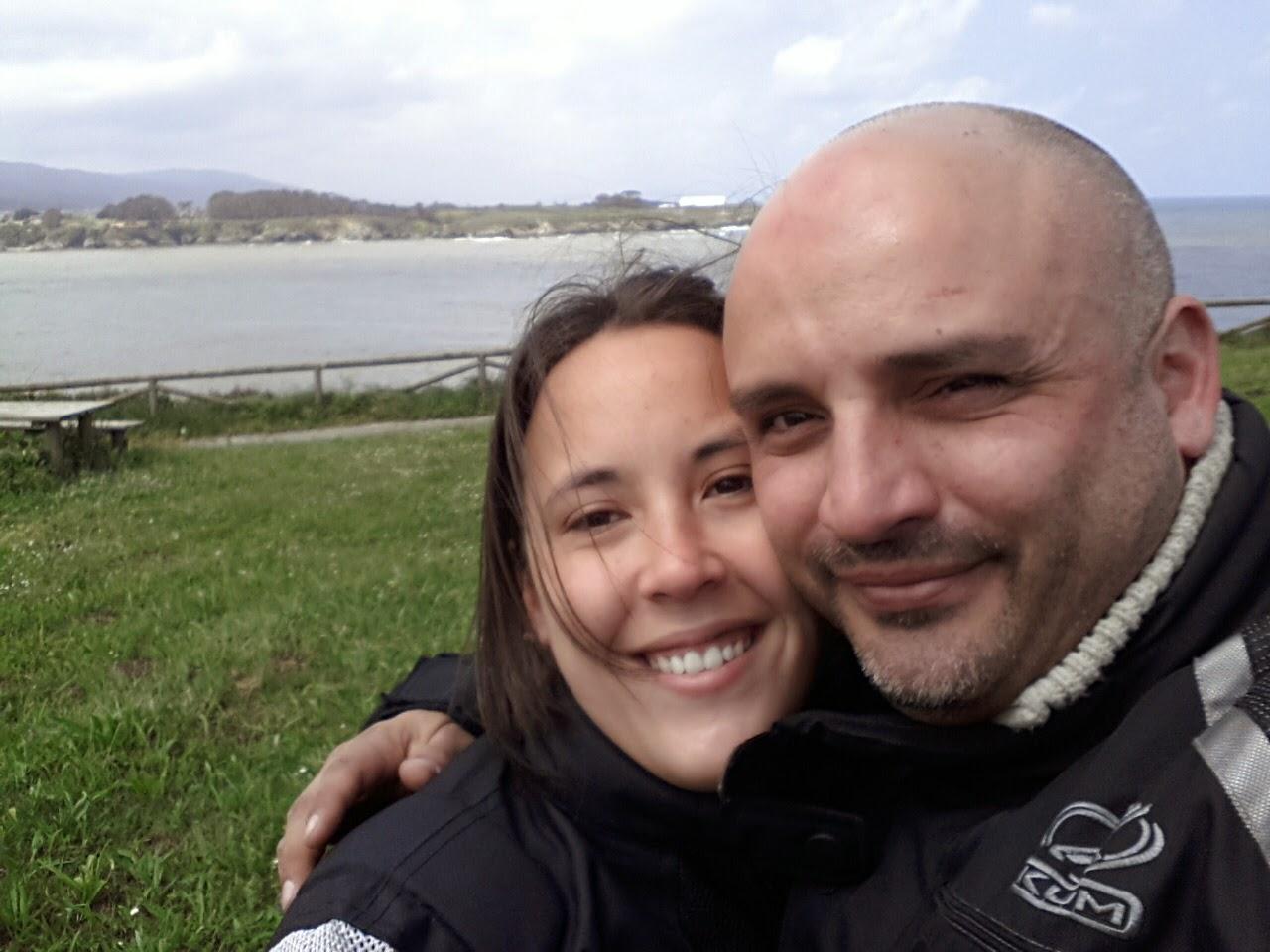 EL VIAJERO MOTERO Y DEBORA SU FIEL COMPAÑERA DE VIAJES