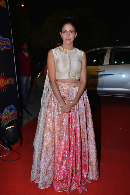 lavanya tripati at gemini tv awards 2016