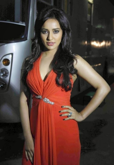 Beauty Bollywood Neha Sharma