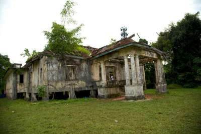 Johor Amazing Stories - Villa Nabila  scene