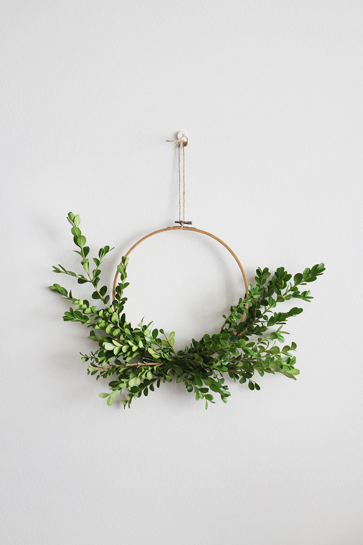Asymmetrical wreath via Makers Society