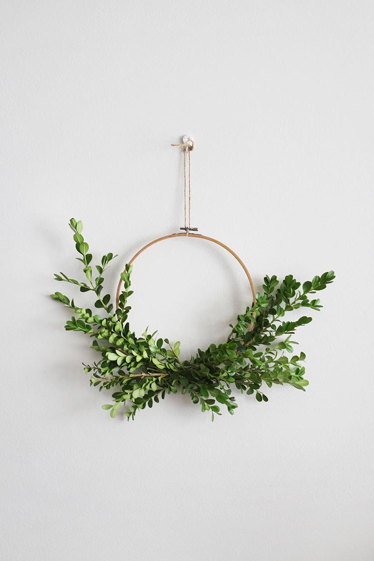 Asymmetrical wreath via Makers Society