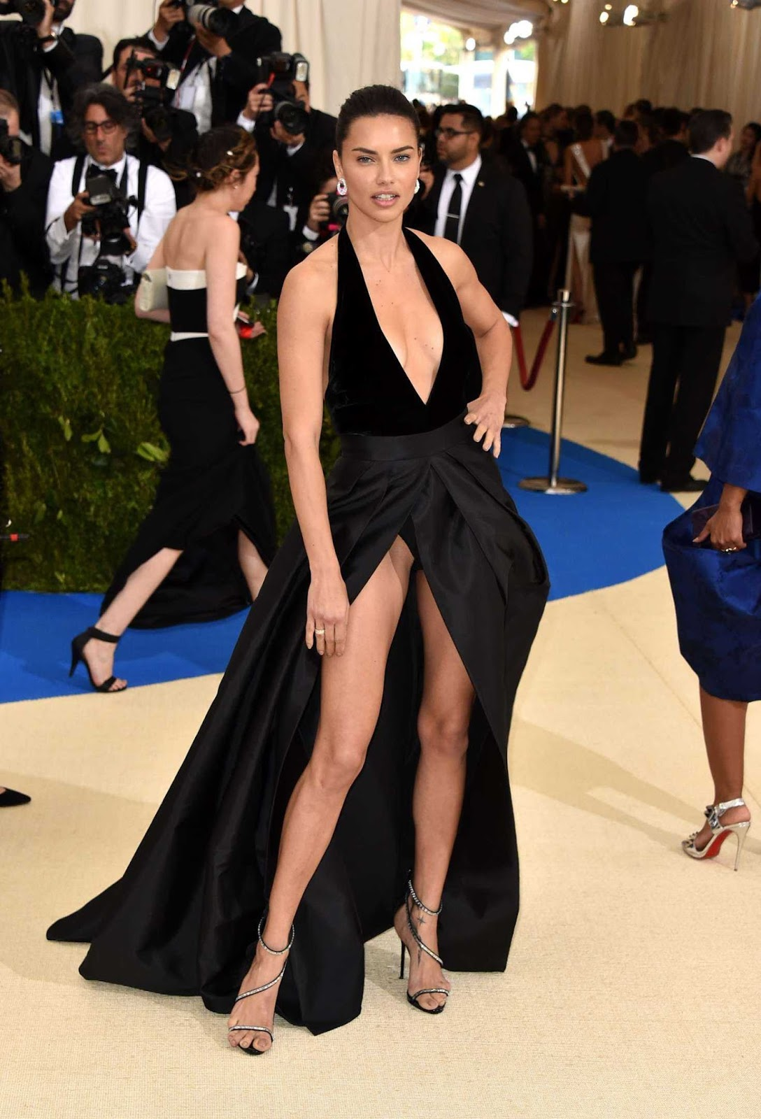 Adriana Lima has an upskirt moment at the 2017 Met Gala