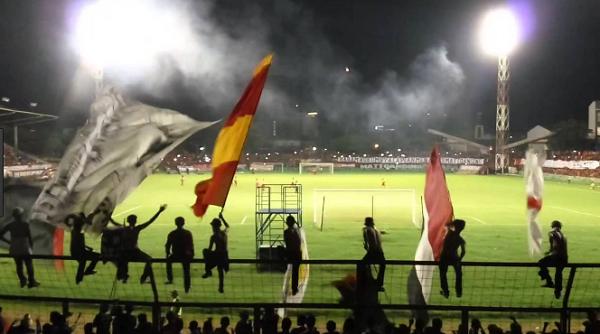PSM Makassar Ancam Penjarakan Suporter Bengal Nyulut Flare dan Petasan!