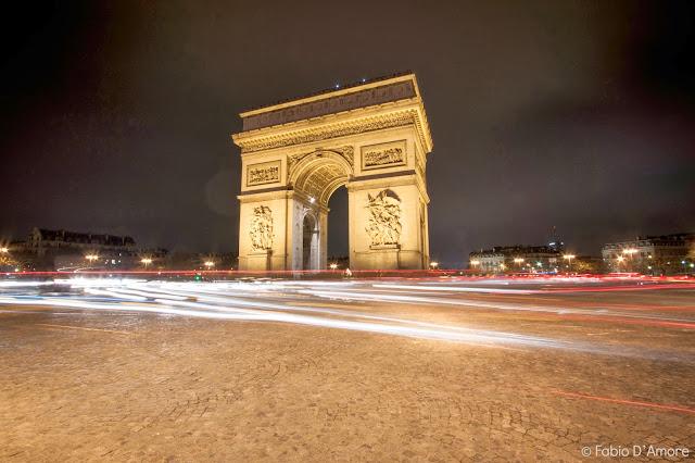 Arco di trionfo di notte-Parigi