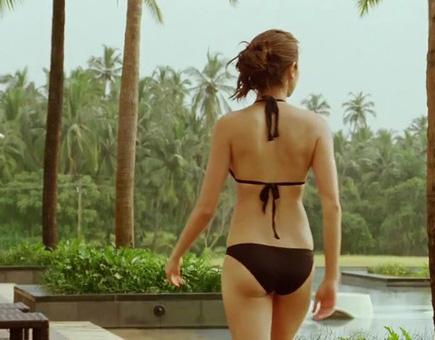 Anushka Sharma bare back, Anushka Sharma in bikini