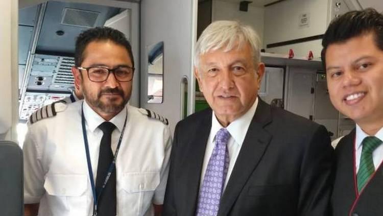 Viaja AMLO por Viva Aerobús de regreso a CDMX