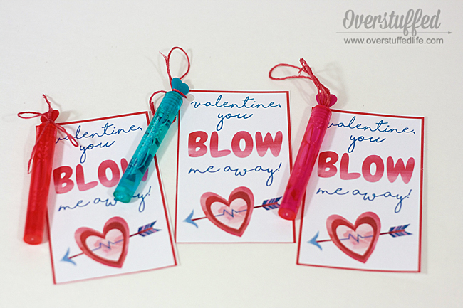 Free printable valentines cards for use with bubbles, blow pops, or gum: Valentine You Blow Me Away!