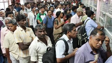 இந்திய ரயில்களில் டிக்கெட் கிடைக்காமல் அவதிப்படுவோர் தினமும் 10 லட்சம் பேர்