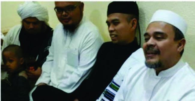 Duarrrr... Ustadz Abdul Somad Bertemu Habieb Rizieq di Mekkah, Ini Videonya!